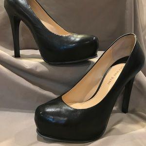 Black platform heels-like new-Size 8.5